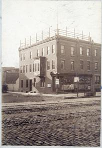 Lighthouse Restaurant Building. Image provided by Historical Society of Pennsylvania