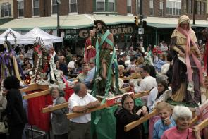Italian Market Festival Procession. Image provided by Maria Petrone