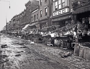 Marshall Street curb market. Image provided by City of Philadelphia Department of Records