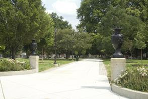 Washington Avenue entrance to Jefferson Square Park. Image provided by Historical Society of Pennsylvania