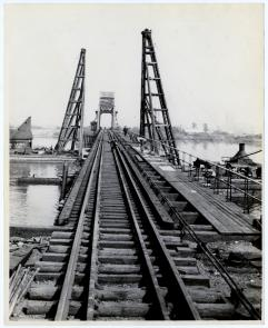 Petty's Island bridge on the Delaware River. Image provided by Historical Society of Pennsylvania