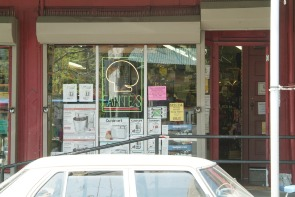 Fante's storefront window. Image provided by Historical Society of Pennsylvania