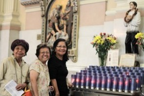 Members of St. Thomas Aquinas congregation