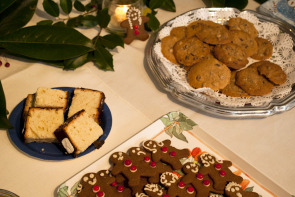 Cookies and cake at the Stenton House