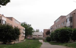 Mackley Apartments, courtyard in between the two interior buildings